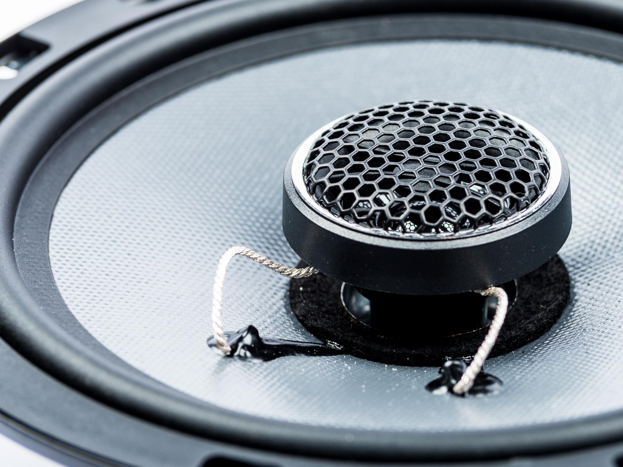 Volvo 850 Lautsprecher Einbauset Tür vorne – Bild 4