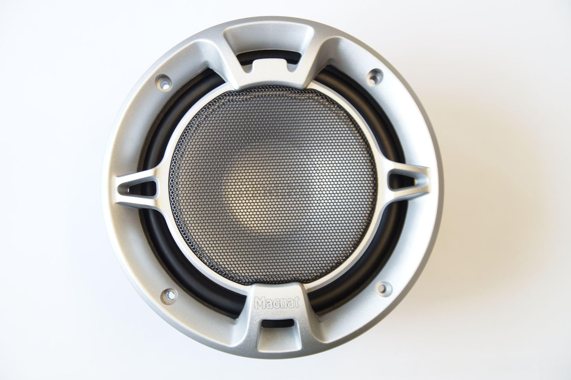 1 Paar 165 mm Tieftöner Kickbass Subwoofer Magnat Ultra  216 001